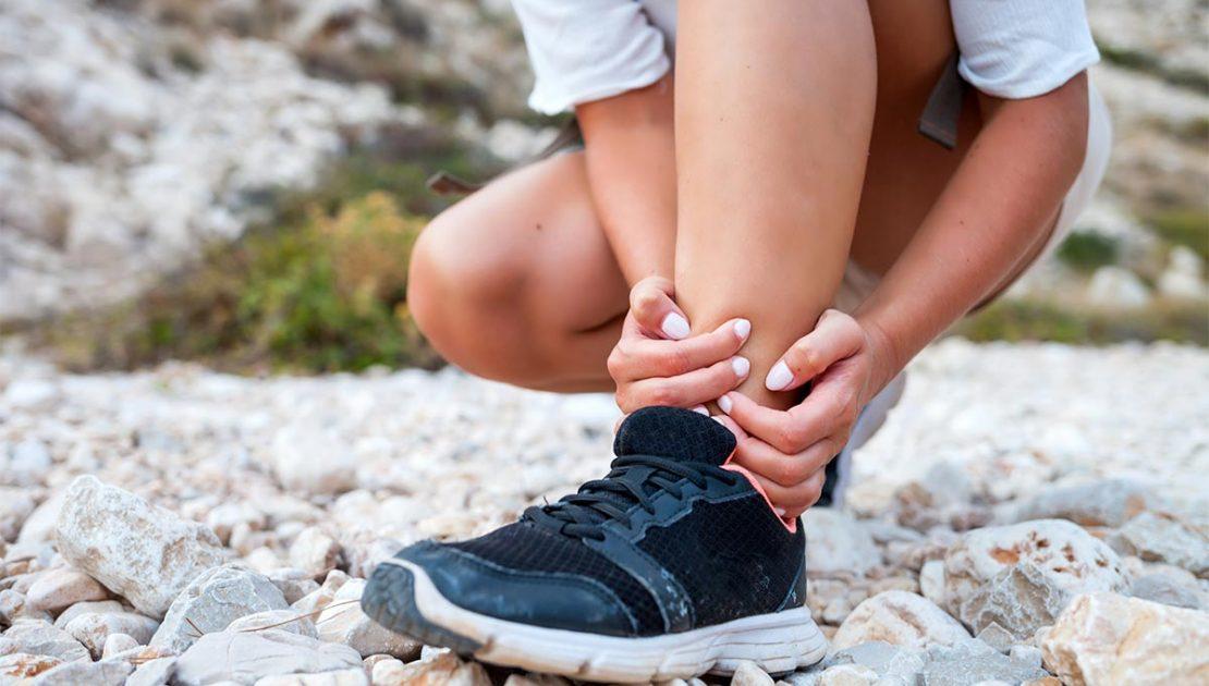 Trauma alla caviglia: trattamento chirurgico o conservativo?